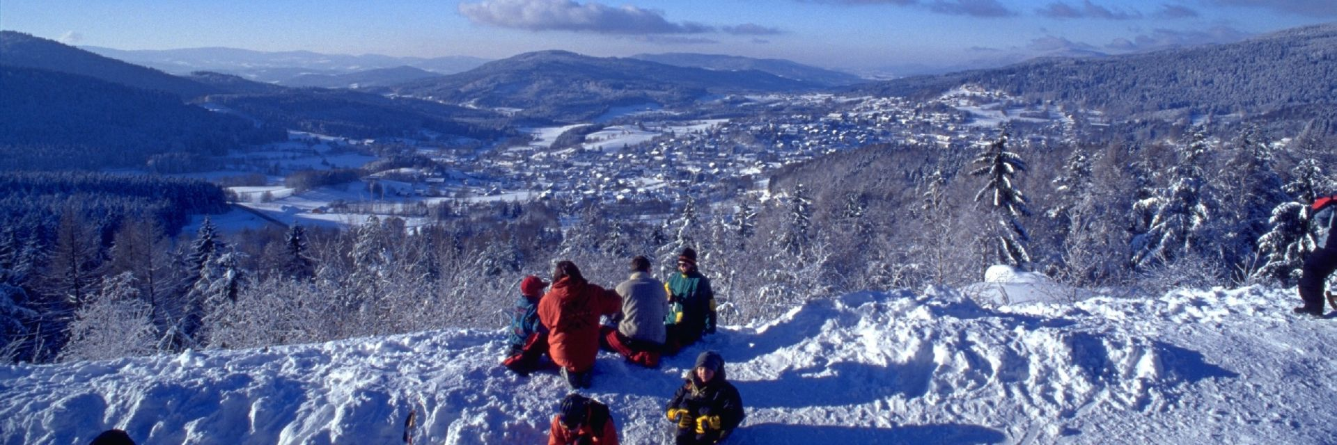kirchberg-im-wald-touristinfo-skifahren-winterurlaub